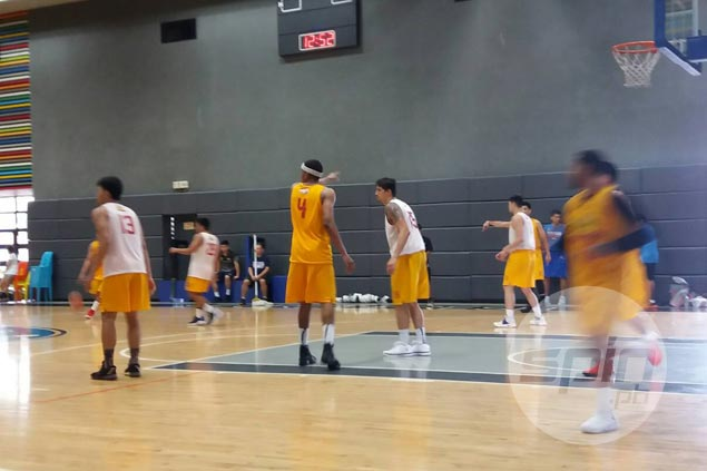 Marc Pingris moves closer to return as he joins Star Hotshots in scrimmage