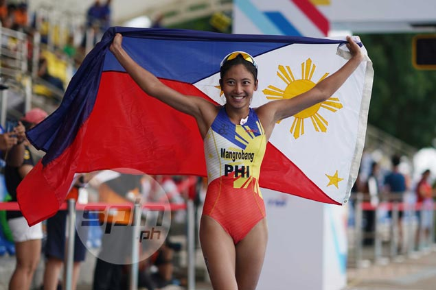 Kim Mangrobang claims gold over Adorna as PH repeats sweep of SEA Games triathlon titles