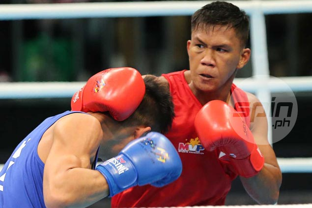 Three Pinoy boxers reach gold medal rounds but two fighters bow out at semifinal stage