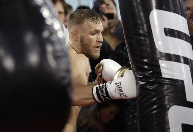Vegas anticipates 'New Year's Eve energy' on weekend of Mayweather-McGregor fight