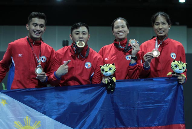 Gold medalist Brennan Wayne Louie believes SEAG medal haul a springboard for PH fencing's rise