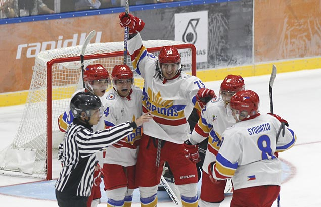 Philippines gets unlikely boost with gold medal in ice hockey's debut in SEA Games