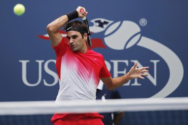 Roger Federer overcomes sloppy play vs Youzhny to survive another five-set thriller in US Open