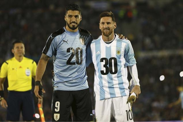 Argentina, Uruguay kick off bid for 2030 World Cup hosting but hyped match ends in empty draw