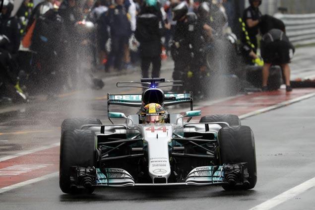 Lewis Hamilton claims 69th career pole position to break Michael Schumacher record