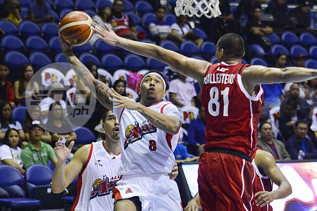 Alaska stays in playoff race with third straight victory, keeps Kia winless