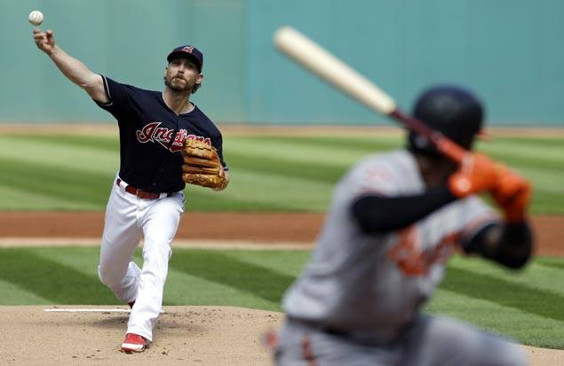 Indians extend team-record win streak to 17 with victory over Orioles