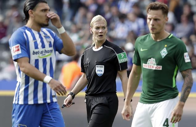 Hertha Berlin draws with Werder Bremen as Bundesliga's first female referee makes debut
