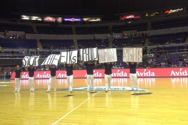 Ateneo Blue Babble Battalion turns halftime performance to protest vs EJK, P1K CHR budget