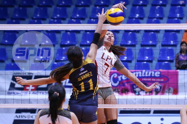 LPU Lady Pirates turn back JRU to bag first win in PVL Collegiate Conference