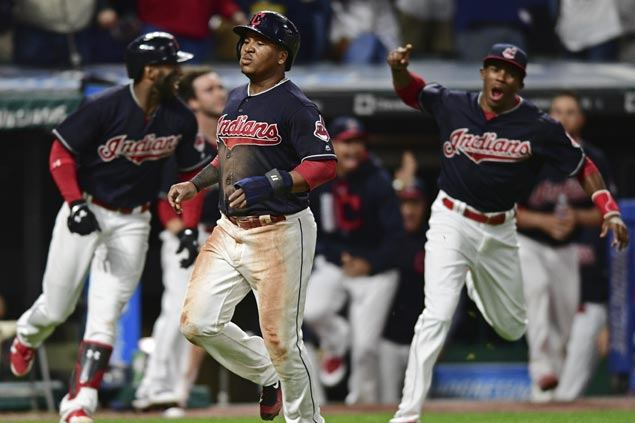 Indians rally with walk-off win in 10th inning over Royals to stretch record streak to 22