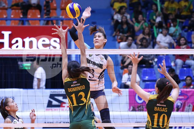 NU Lady Bulldogs fight back from a set down to stay unscathed and deal FEU Lady Tams first loss