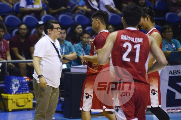 New season, same problem for Derrick Pumaren as UE coach calls out non-performing vets