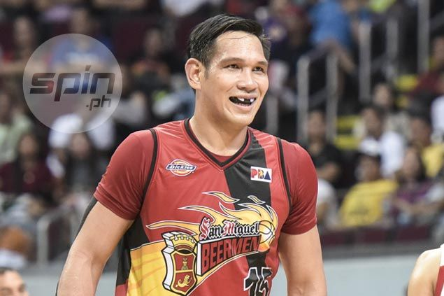 June Mar Fajardo turns on the charm with customized mouthpiece to bring smiles to fans