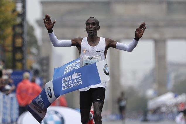 Olympic champion Eliud Kipchoge tops Berlin Marathon