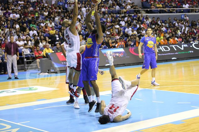 Ginebra mum on rookie Kevin Ferrer readiness in playoffs after suffering slight fractured cheek