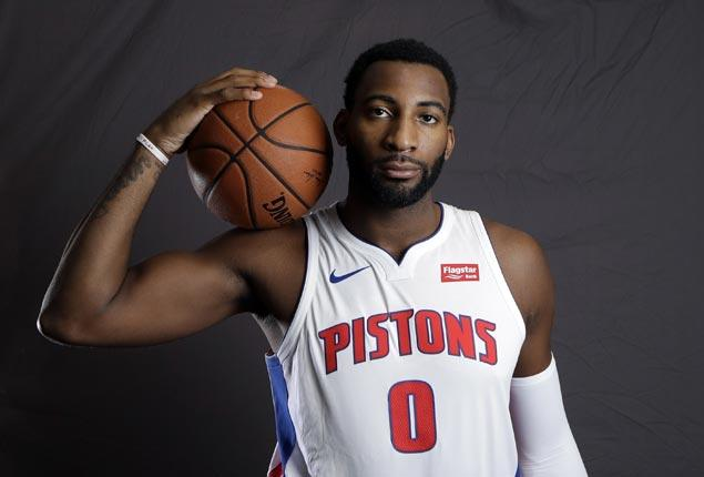 Andre Drummond sprains ankle, but the main concern for Pistons is Reggie Jackson's knee