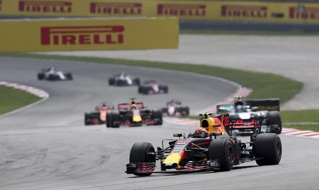 Max Verstappen tops Malaysian GP as Lewis Hamilton places second to extend championship lead