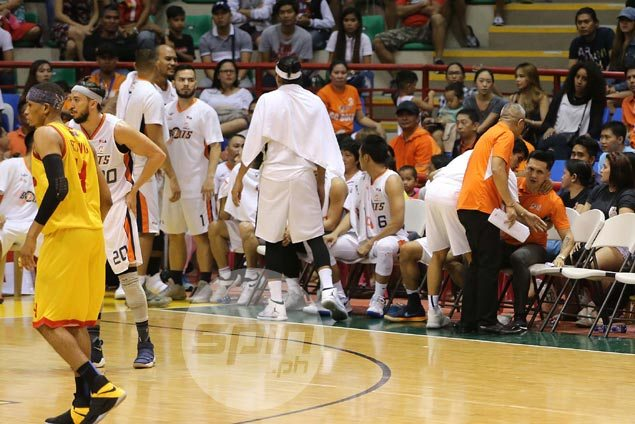 Chris Newsome says Alapag, Nabong talked inside dugout after 'heat of the moment' shouting match