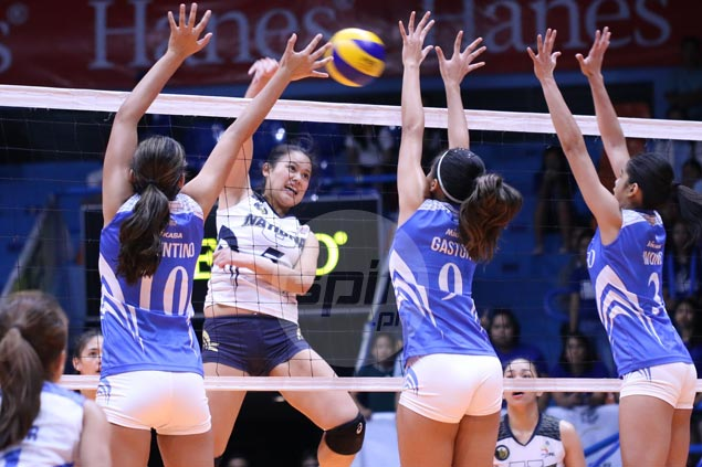 NU Lady Bulldogs try to keep intensity up as semis showdown with Arellano Lady Chiefs begins