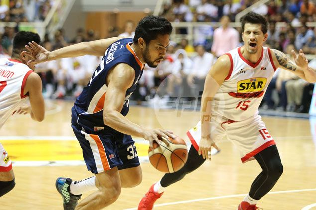 Ranidel de Ocampo deflects credit as breakout game moves Bolts on verge of semis sweep
