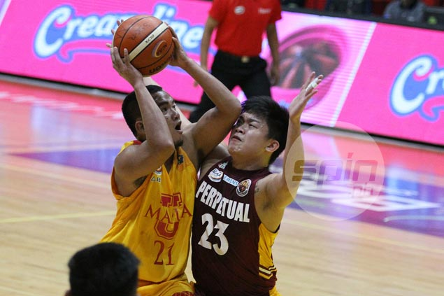 Andoy Estrella leads late rally as Cardinals down Altas to get a win run going