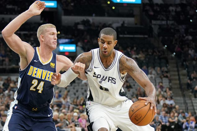 LaMarcus Aldridge shows way as Spurs deal Nuggets first loss of preseason