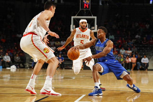 Mavs injury woes pile up as Dennis Smith Jr. sprains ankle in preseason win over Hawks