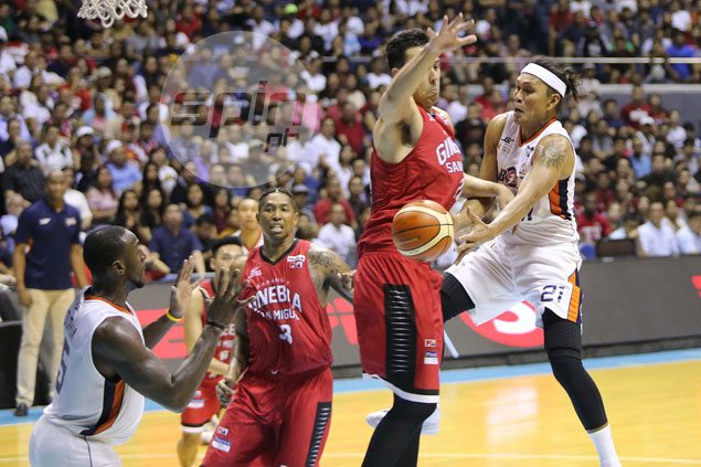 Old reliable Hugnatan, Durham revive Meralco offense in Game 3 win over Ginebra