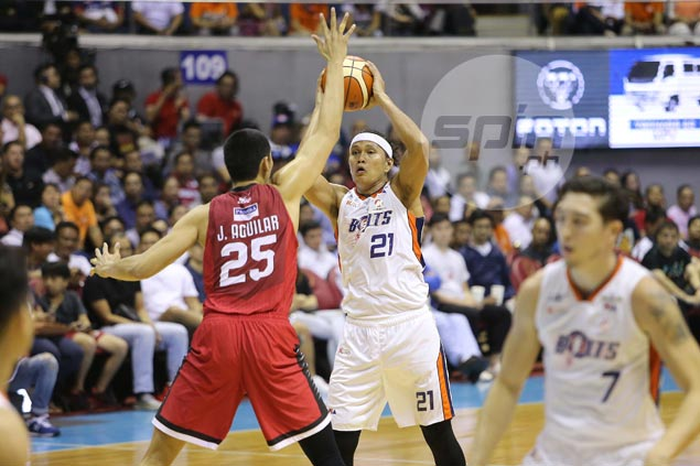 Cone heaps praise on Meralco hero Hugnatan: 'He's my all-time favorite player'