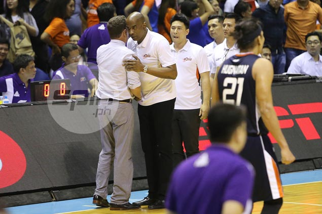 Tim Cone, Norman Black bury the hatchet as Ginebra coach apologizes for Game Three incident