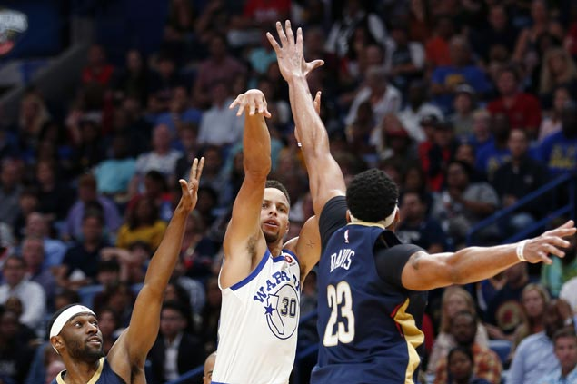 Eclipse 2017 En Houston >> Splash Brothers eclipse Boogie-Brow as Warriors down Pelicans for first win of season | SPIN.ph