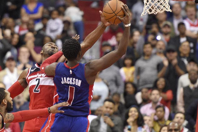 Wizards blow 15-point lead late but turn to defense to avert collapse vs Pistons