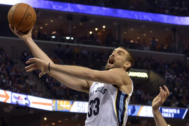 Memphis Grizzlies ride huge third quarter to beat Golden State Warriors