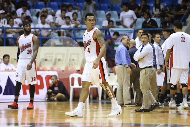 'Muscleman' Vic Manuel signs one-year deal with Alaska after injury-plagued season