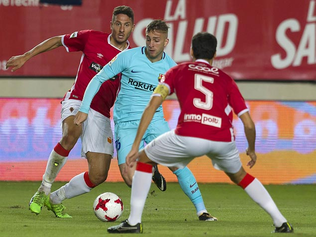 Gerard Deulofeu shines as Barcelona rips third-division Murcia in Copa