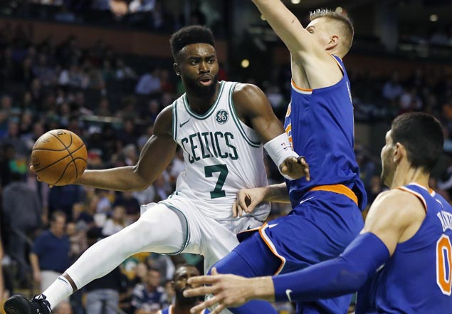 Celtics make it back-to-back victories with rout of winless Knicks