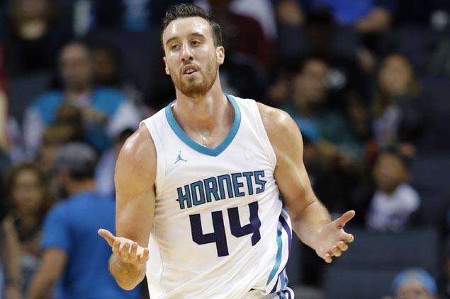 Frank Kaminsky shows versatility as Hornets take charge early and cruise to victory over Nuggets
