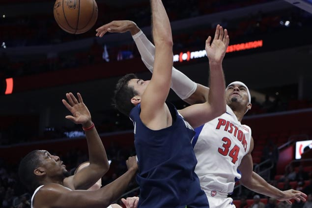 Tobias Harris matches career-high 34 points as Pistons deal Wolves second straight loss