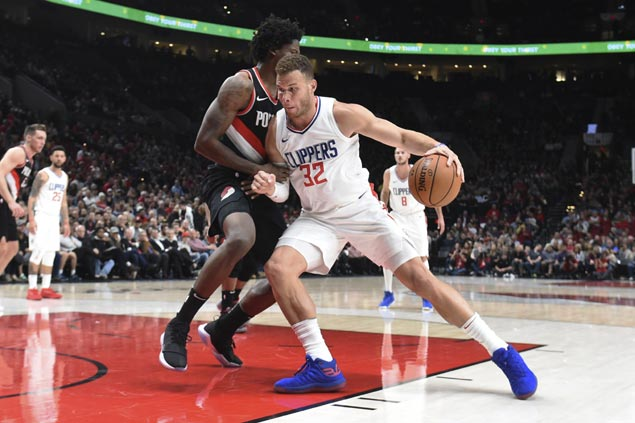 Blake Griffin stuns Blazers with buzzer-beating triple as Clippers stay perfect