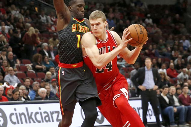 Lauri Markkanen takes charge late as Bulls ground Hawks to barge into win column