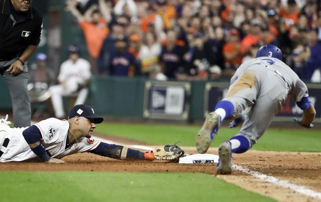 Astros chase Yu Darvish early and hold on to beat Dodgers to take World Series lead