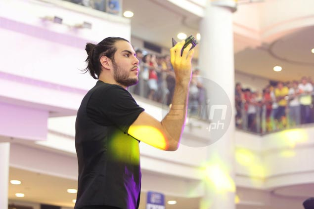 Standhardinger's contract with SMB won't be binding until end of deal with HK Lions