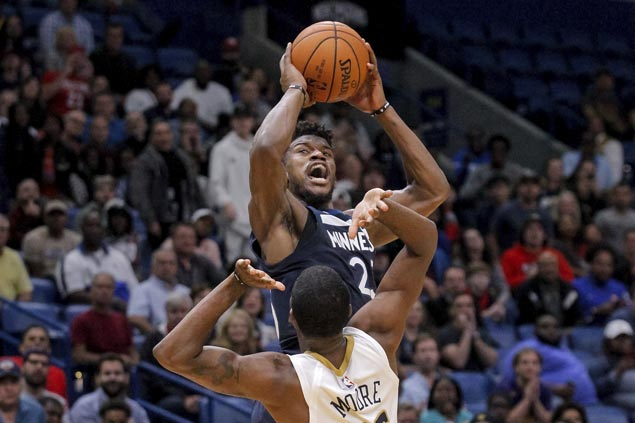 Jimmy Butler nails go-ahead jumper as Wolves hold off Pelicans for third straight win