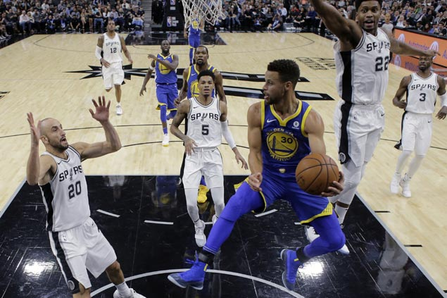 Warriors rally back from 19 points down to hand struggling Spurs fourth straight loss