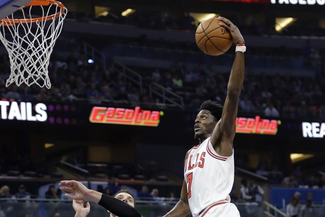 Bulls use balanced offense to beat Magic for first road win of season