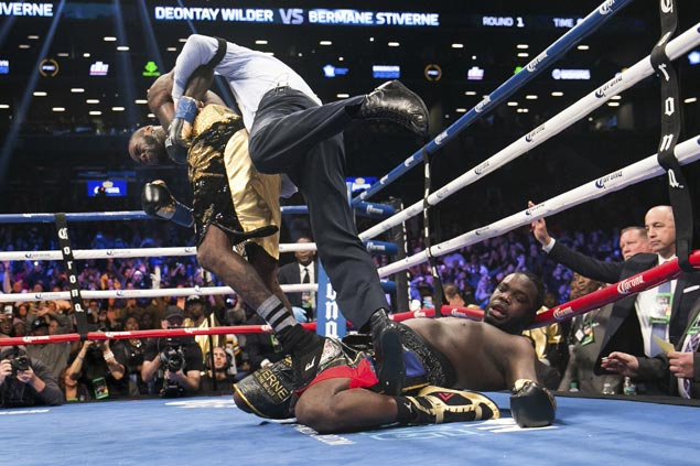 Deontay Wilder defends WBC heavyweight title with one-round demolition of Berman Stiverne