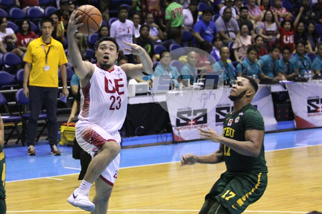 'Marked man' Alvin Pasaol needs to add to offensive repertoire, says Derrick Pumaren