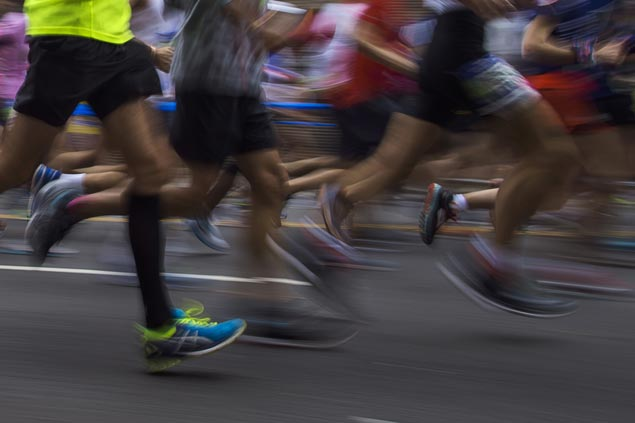 Geoffrey Kamworor holds off fellow Kenyan Wilson Kipsang to win New York City Marathon