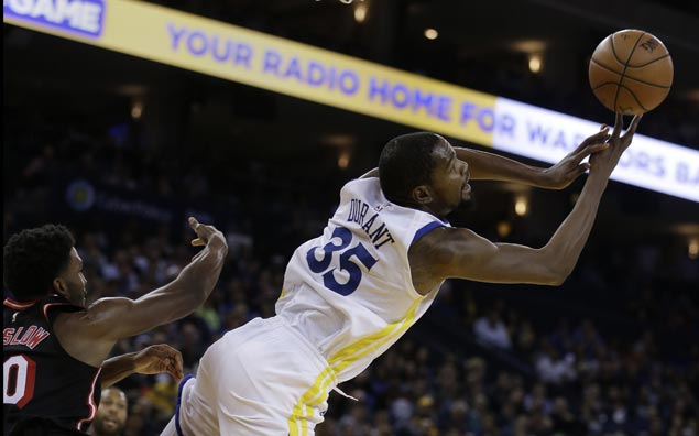 Warriors ride big second quarter to victory over Heat
